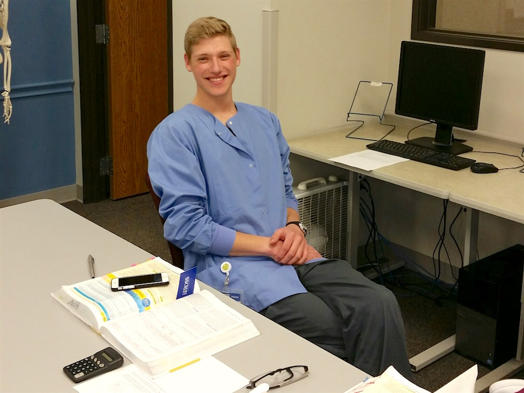 Ross Student in Grand Rapids Puts Medical Assistant Training to Practice