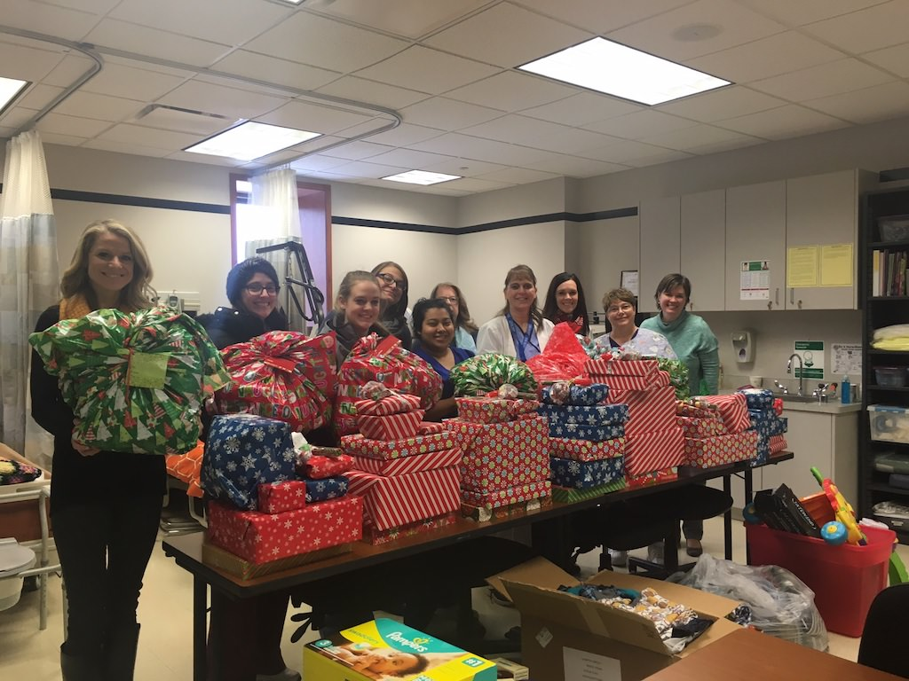Ross Medical Education Center Grand Rapids North Adopts Local Family for Christmas