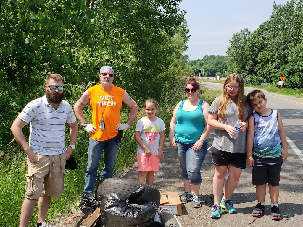 Ross College North Canton Vet Tech Club Roadside Cleanup